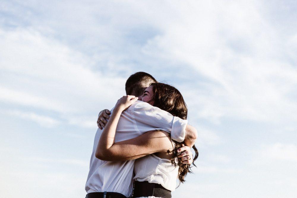 離婚してでも一緒になりたい女になれてる?不倫中の既婚男性が本当に離婚を決意する女性の特徴と家庭を捨てる兆候