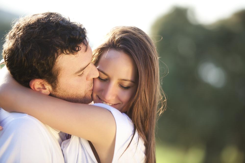既婚男性のキスの仕方で分かる心理や本気度!求め合うディープキスで気持ち良くなる方法&キスで不倫認定される場合