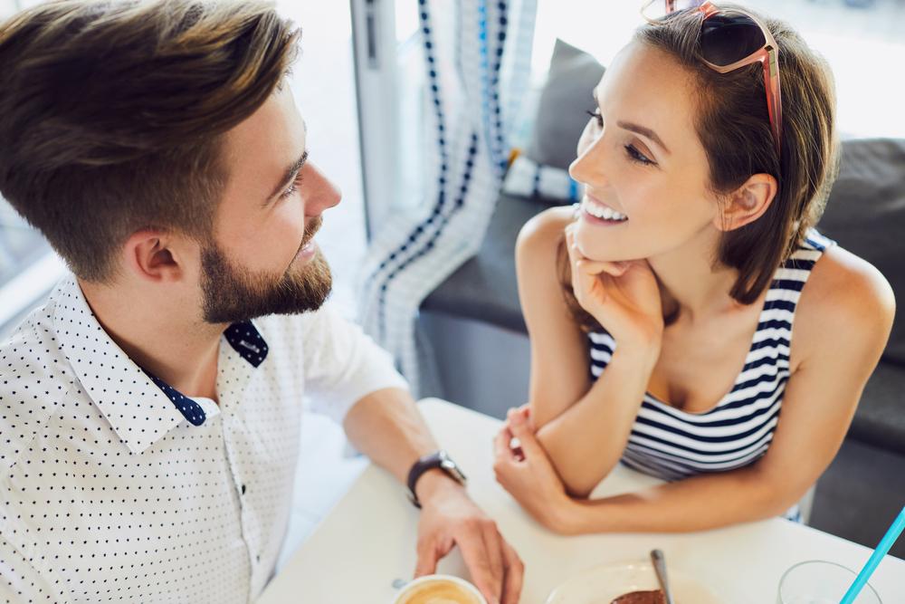 「会いたくてたまらない!」と感じる時の男性心理&少しでもいいから会いたいと求められる女性の特徴と彼が会いたくなる女になる方法